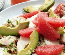 Салата с пиле и авокадо