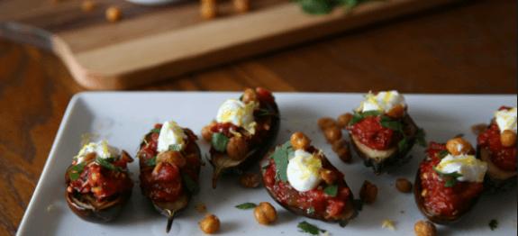 Патладжан с домати и синьо сирене