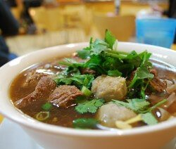 телешко варено супа в купа