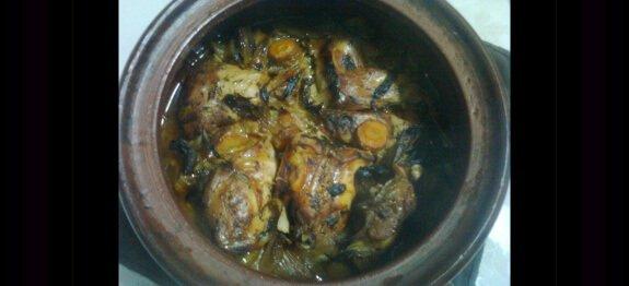 Гювеч със свинско и заешко месо