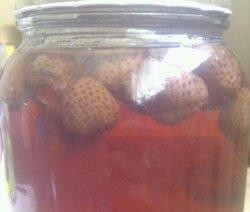 Компот от ягоди в буркан