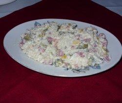 Салата с кус-кус в чиния