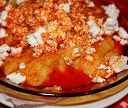 качамак със сирене в чиния