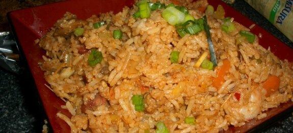 ориз по китайски в чиния