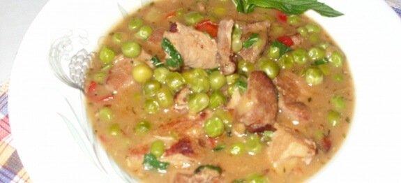 яхния със свинско и грах