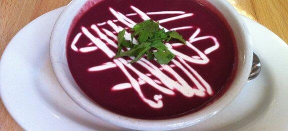 супа с червено цвекло и кокосово мляко
