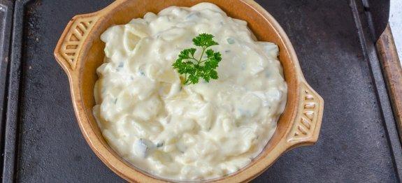 салата от картофи и пилешко месо